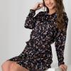 Rochie Alma tip camasa neagra cu imprimeuri colorate