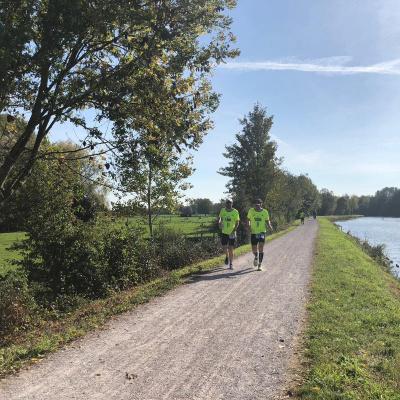 100 km de la Somme: Poveste scurta