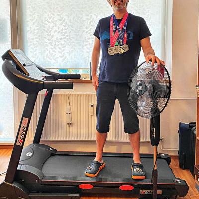 Banda, maratonul si ventilatorul sau Maratonul de la Cluj, alergat pe banda