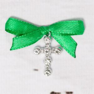 Cruciulite botez strassuri transparente si fundita verde