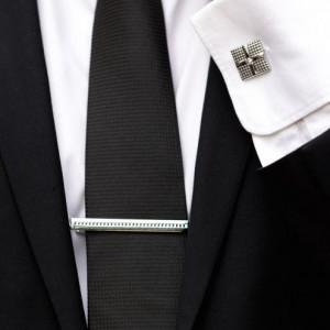 Set butoni camasa patrati si ac cravata argintiu
