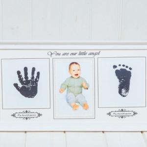 Rama foto alba cu amprenta bebelus