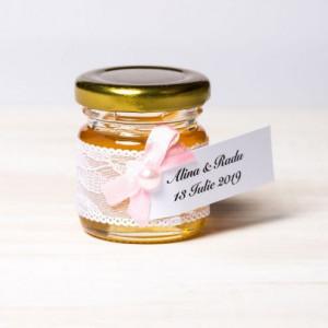 Marturii borcanele miere botez cu dantela alba si fundita roz