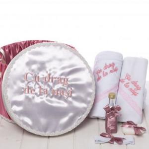 Set botez roz pudra trusou si cutie Cu drag de la nasi