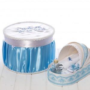 Set botez bleu cutie si trusou in landou