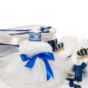 Set biserica baieti cutie, trusou coroana si lumanare tulle alb si funda albastra