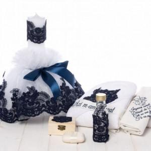 Set botez lumanare si trusou dantela bleumarin cu rugaciune