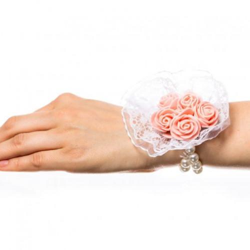 Corsaj margele buchet trandafiri roz si dantela