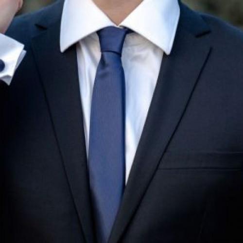 Cravata slim, accesoriul perfect pentru nuntile 2020
