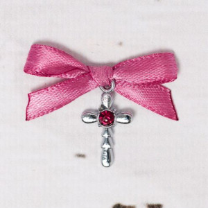 Cruciulite botez strass rosu cu fundita roz prafuit