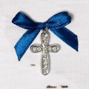 Cruciulite botez cu strassuri transparente si fundita bleumarin