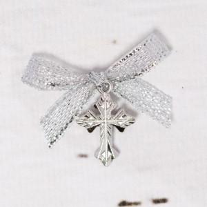Cruciulite botez argintii cu fundita argintie