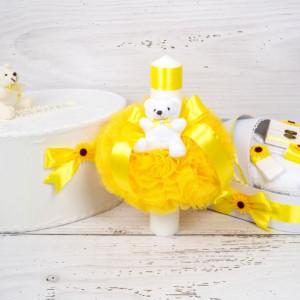 Set cutie de dar, lumanare si trusou botez cu decor galben si floarea-soarelui