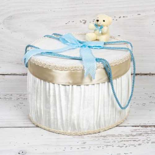 Cutie trusou botez ursulet plus si funda bleu cu buline albe