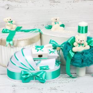 Set cutie de dar, cutie hainute, trusou si lumanare botez verde menta si ursuleti