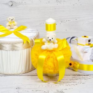 Set botez cutie hainute, lumanare biserica si trusou botez cu decor galben
