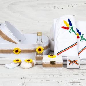 Trusou in landou model iuta, tricolor si floarea-soarelui