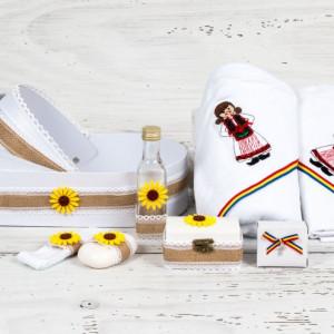 Trusou in landou model iuta, floarea-soarelui, tarancute si tricolor