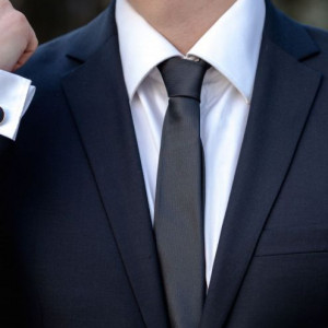 Set negru cravata slim si butoni