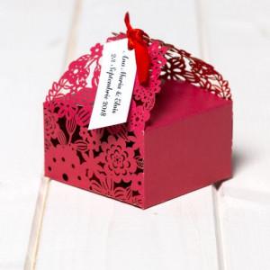 Marturii de nunta cutiute floare bordo