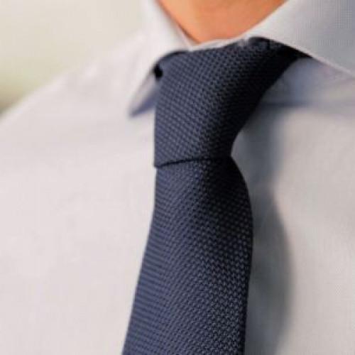 Tutorial video: Invata cum sa faci cel mai simplu nod la cravata
