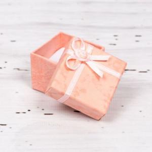 Cutiuta cadou roz pentru cercei