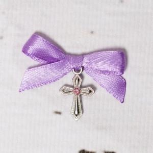 Cruciulite botez cu pietricica roz si fundita lila