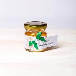 Marturii botez borcanele miere cu dantela alba si fundita verde smarald