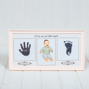 Rama foto roz cu amprenta bebelus