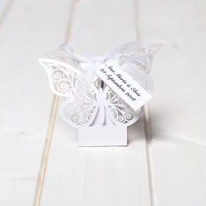 Marturii cutiute botez fluture alb