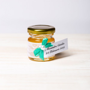 Marturii botez borcanele miere cu dantela alba si fundita verde menta