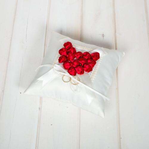 Pernuta verighete trandafirasi rosii