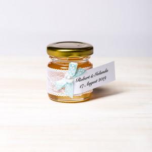 Marturii botez borcanele miere cu dantela alba si fundita bleu cu buline albe