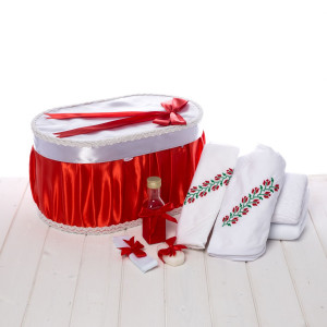 Set botez cutie rosie si trusou traditional