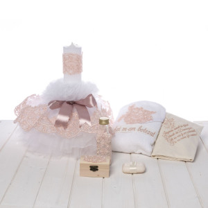 Set botez lumanare si trusou dantela roz pudra