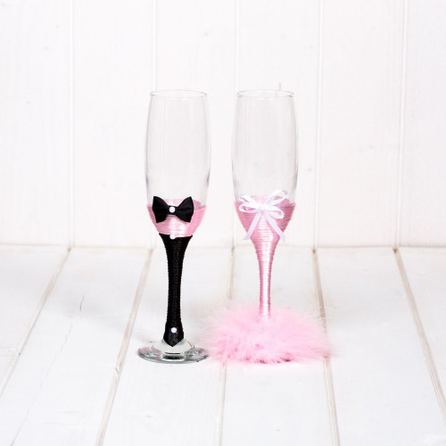 Pahare nunta puf roz pentru nasi