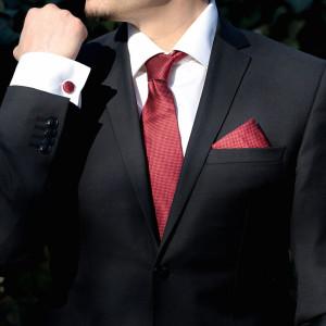 Set bordo cravata, batista si butoni camasa