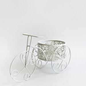 Decor bicicleta din sarma alba pentru nunta