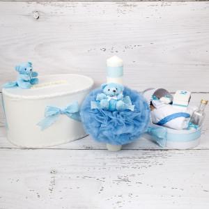 Set cutie de dar, lumanare si trusou botez cu decor bleu si buline albe