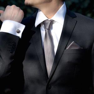 Set gri inchis cravata, batista si butoni camasa