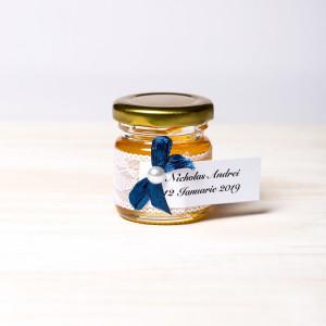 Marturii borcanele miere botez dantela alba si fundita bleumarin